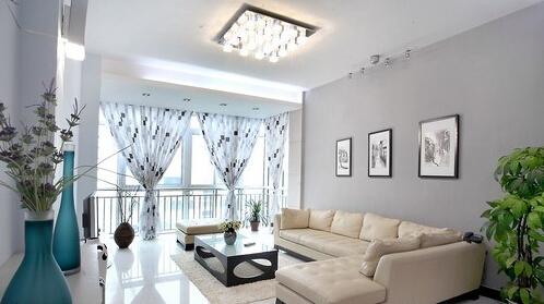 客厅窗帘什么颜色好 客厅窗帘颜色搭配技巧