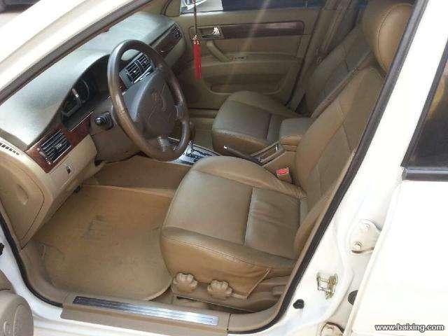 05年6月的别克凯越自动挡天窗高配一手车白色
