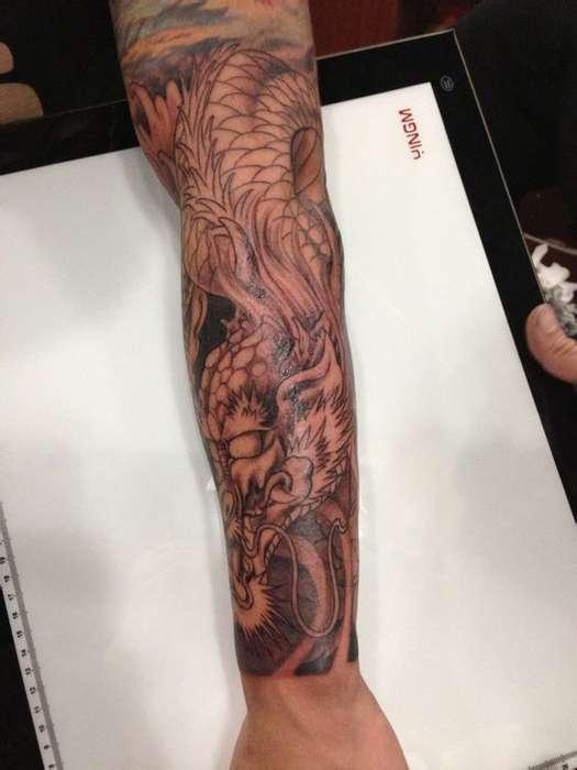鱼化龙纹身手稿; 刺身纹身;清潭郭小多图片
