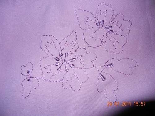 淡紫色蝴蝶背景