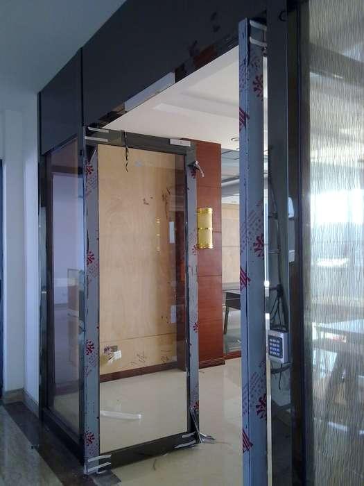 常州玻璃门刷卡门手拉门弹簧门自动门v拉门针织外套扣图片