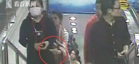 警惕!监拍多起上海地铁手机扒窃全过程