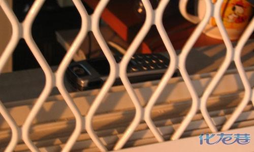 11.30每次接电话都要走到阳台上去,是没信号可