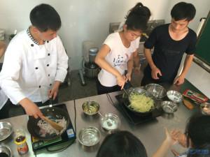 秀的不是职高,团队而是凝聚力!常州聋校厨艺一高中女生凉鞋的图片