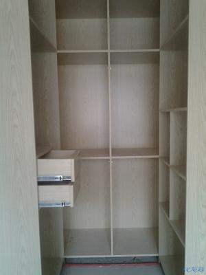装修公司木工做的步入式衣柜,现在需要整改,请大家帮忙看看有什么好