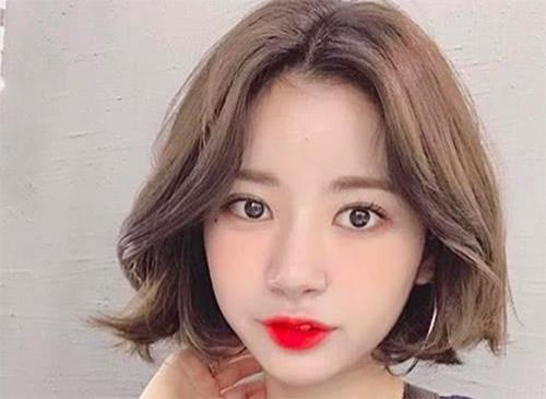 9款大脸方脸适合的发型 总有一款适合你图片