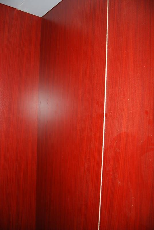 装修期间可得注意保护电梯啊 不要只顾眼前利益啊高清图片
