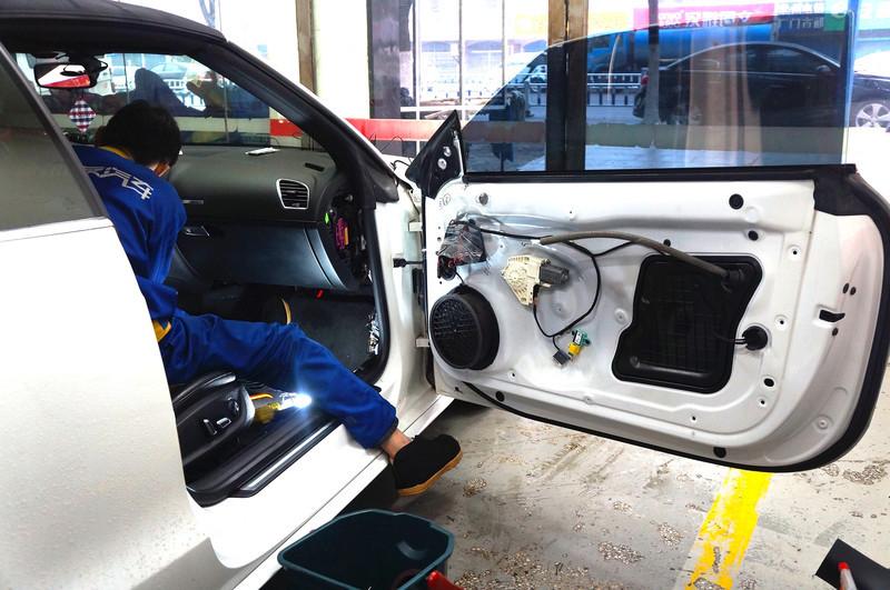 【助友汽车】奥迪s5敞篷跑车配上360度全景,安全轻松停泊车辆,防碰瓷