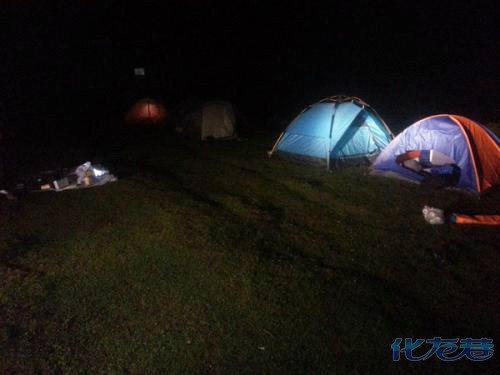 户外野营被吓得半死