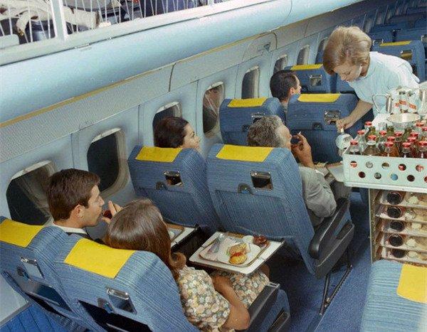 60年代头等舱长这样