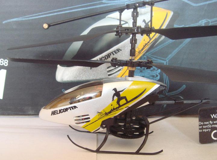 正宗司马s010 三通道 遥控飞机/直升机 带灯锂电 室内机 厂家直销