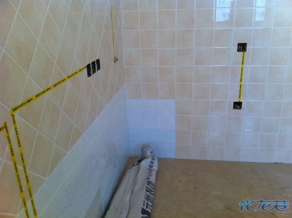 墙砖在开暗盒的时候,用切割器,防止墙砖的破坏,同时在施工过程