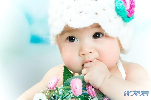 中国可爱萌女宝宝桌面
