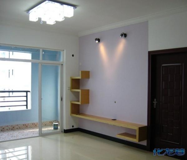 客厅一角,简洁大方的背景墙;没太多复杂的念头