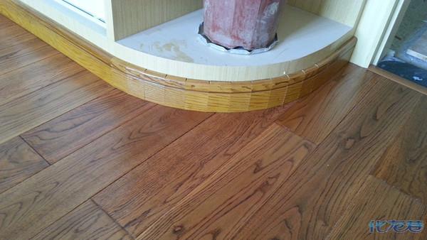 现在装木地板