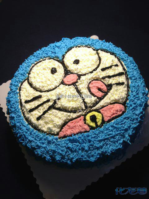 可爱的蓝胖子蛋糕