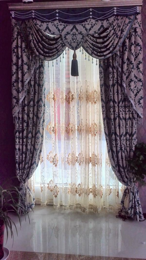 窗帘的高端大气,又比其他欧式布多了几分活泼少了些严肃,眉帘的款式