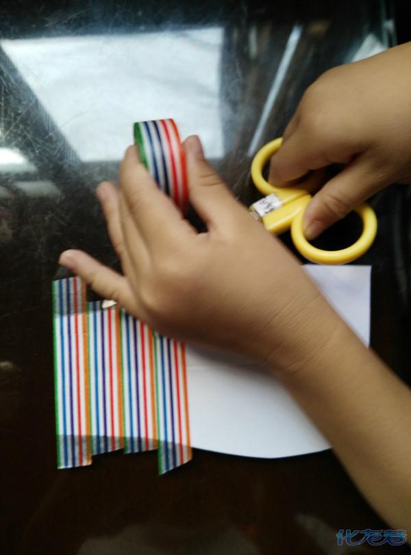新学期开始了,晒晒幼儿园家庭作业~diy瓶子民族娃娃,藏族.