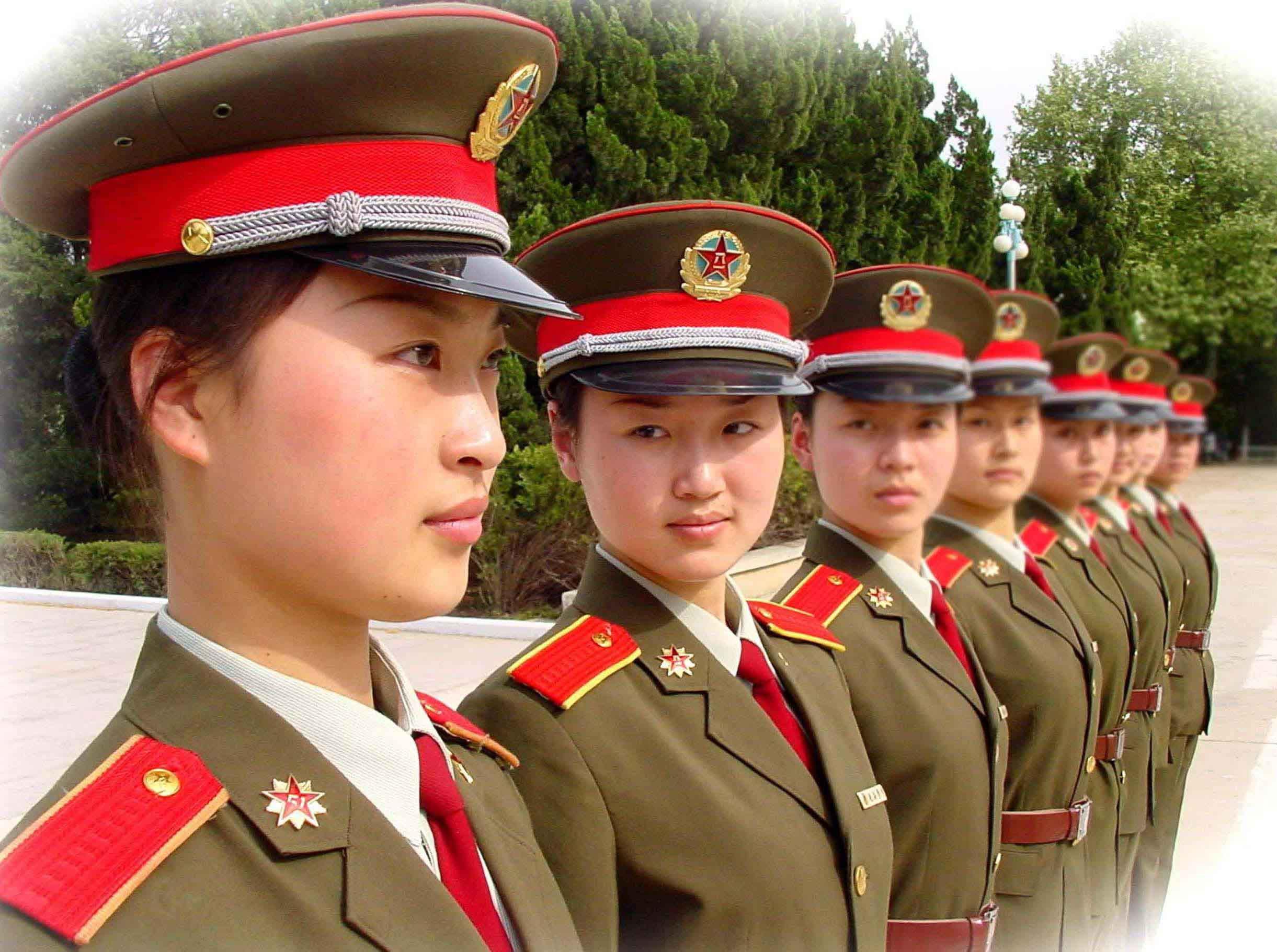 歌曲《军营女兵》简谱